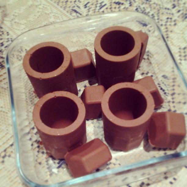 copo de chocolate feito de forminha de silicone